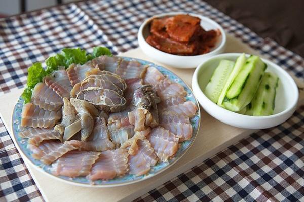 Đỉa biển, bạch tuộc và các món ăn sống lạ hấp dẫn du khách khi đến Hàn Quốc-4