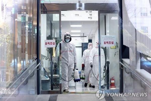 Thêm 60 ca mới, Hàn Quốc có 893 ca nhiễm virus corona-1