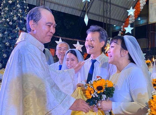 Danh ca Hương Lan bất ngờ làm cô dâu ở tuổi 63, tổ chức hôn lễ tại nhà thờ Ba Giồng, Tiền Giang-2