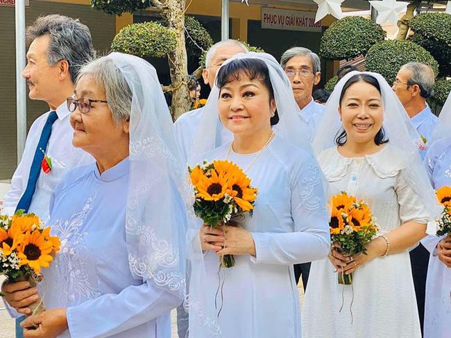 Danh ca Hương Lan bất ngờ làm cô dâu ở tuổi 63, tổ chức hôn lễ tại nhà thờ Ba Giồng, Tiền Giang-6