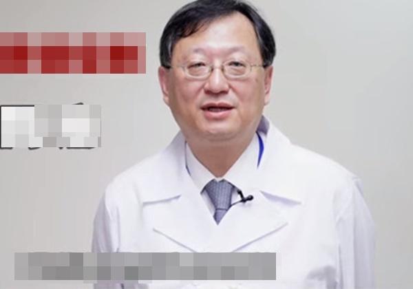 Bác sĩ chuyên sâu về lồng ngực tiết lộ 5 triệu chứng viêm phổi cần điều trị sớm, 3 nhóm người có nguy cơ bị nhiễm bệnh cao nhất-1