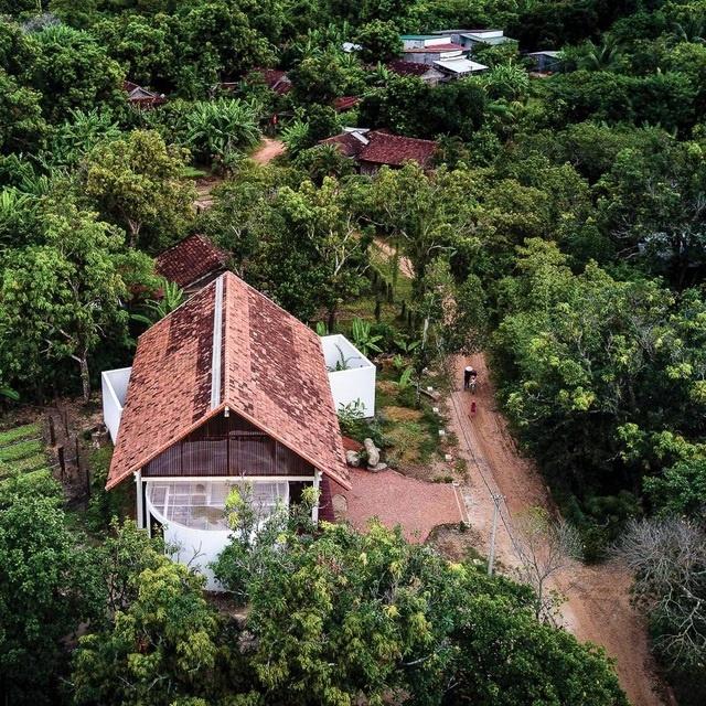 Ngôi nhà cấp 4 ở Đắk Lắk đẹp như resort nhờ thiết kế độc lạ-2