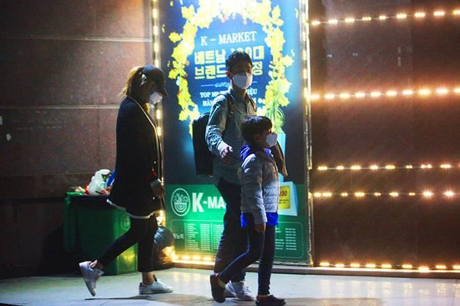 """Dịch Covid-19: Nếp sinh hoạt ngày - đêm kỳ lạ ở phố Hàn"""" giữa Hà Nội-4"""