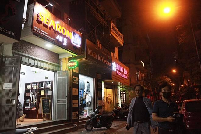 """Dịch Covid-19: Nếp sinh hoạt ngày - đêm kỳ lạ ở phố Hàn"""" giữa Hà Nội-11"""