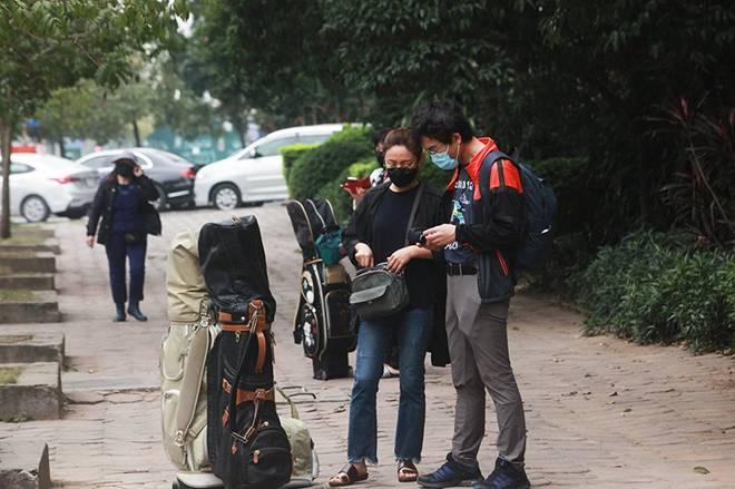 """Dịch Covid-19: Nếp sinh hoạt ngày - đêm kỳ lạ ở phố Hàn"""" giữa Hà Nội-19"""