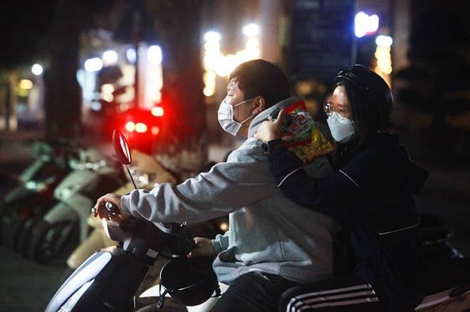 """Dịch Covid-19: Nếp sinh hoạt ngày - đêm kỳ lạ ở phố Hàn"""" giữa Hà Nội-7"""