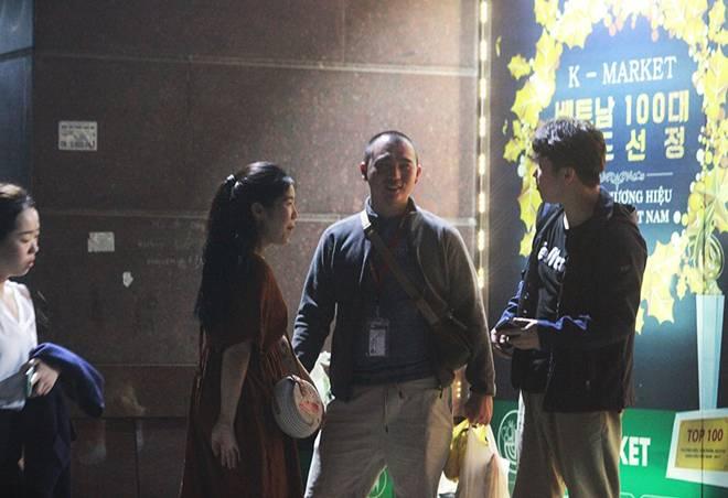 """Dịch Covid-19: Nếp sinh hoạt ngày - đêm kỳ lạ ở phố Hàn"""" giữa Hà Nội-9"""