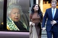 Nữ hoàng Anh lần đầu lộ diện sau cú sốc 'vô lễ' của vợ chồng Meghan Markrle, nhìn gương mặt của bà ai cũng xót xa