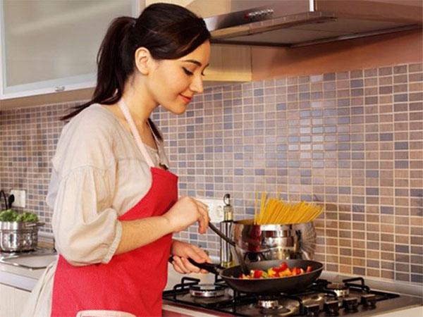 Nấu bếp ga nhớ 4 quy tắc vàng giúp bạn tiết kiệm chi phí sinh hoạt hàng tháng-2