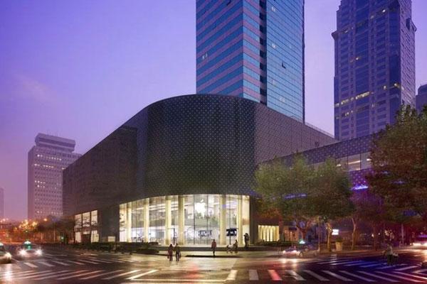 Apple mở lại nhiều cửa hàng ở Trung Quốc bất chấp dịch Covid-19-1