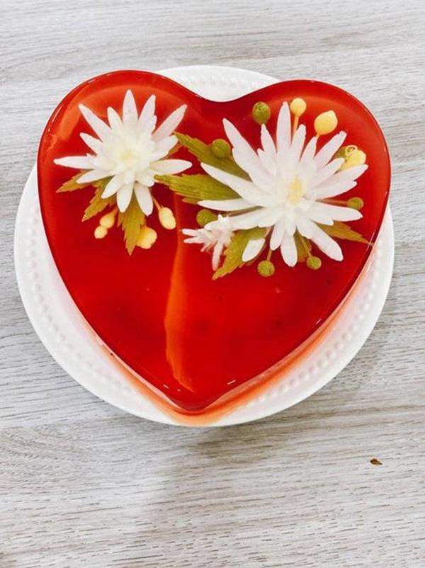 Hoa hậu Ngọc Hân lần đầu làm món ăn chơi đẹp như hoa, muốn cả thế giới khen mình-2