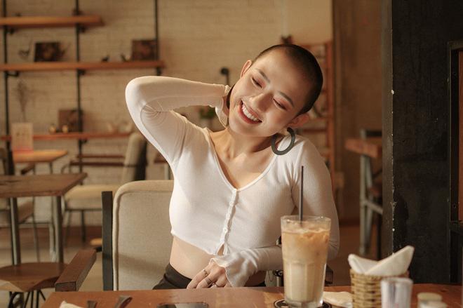 Trang Cherry cạo trọc đầu, từ bỏ đóng phim vì tai nạn: Tôi không muốn là gánh nặng của mọi người!-3