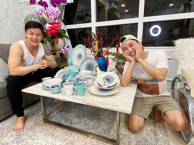 Chân dung người yêu đồng giới 8 năm của Don Nguyễn: Bảnh bất ngờ, kém hơn nửa con giáp nhưng thích lái máy bay-3