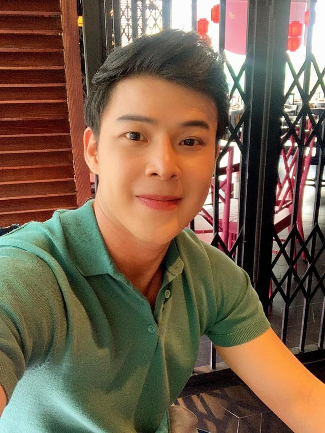 Chân dung người yêu đồng giới 8 năm của Don Nguyễn: Bảnh bất ngờ, kém hơn nửa con giáp nhưng thích lái máy bay-5