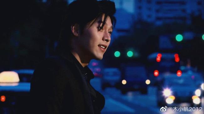 Loạt ảnh tuổi 23 của Hyun Bin gây sốt vì sở hữu combo gây sát thương: Góc nghiêng cực phẩm lại thêm má lúm đồng tiền-4