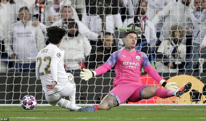 Ronaldo bần thần vì bại trận; Man City ngược dòng nhấn chìm Real Madrid-1