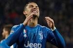 Ronaldo bần thần vì bại trận; Man City ngược dòng