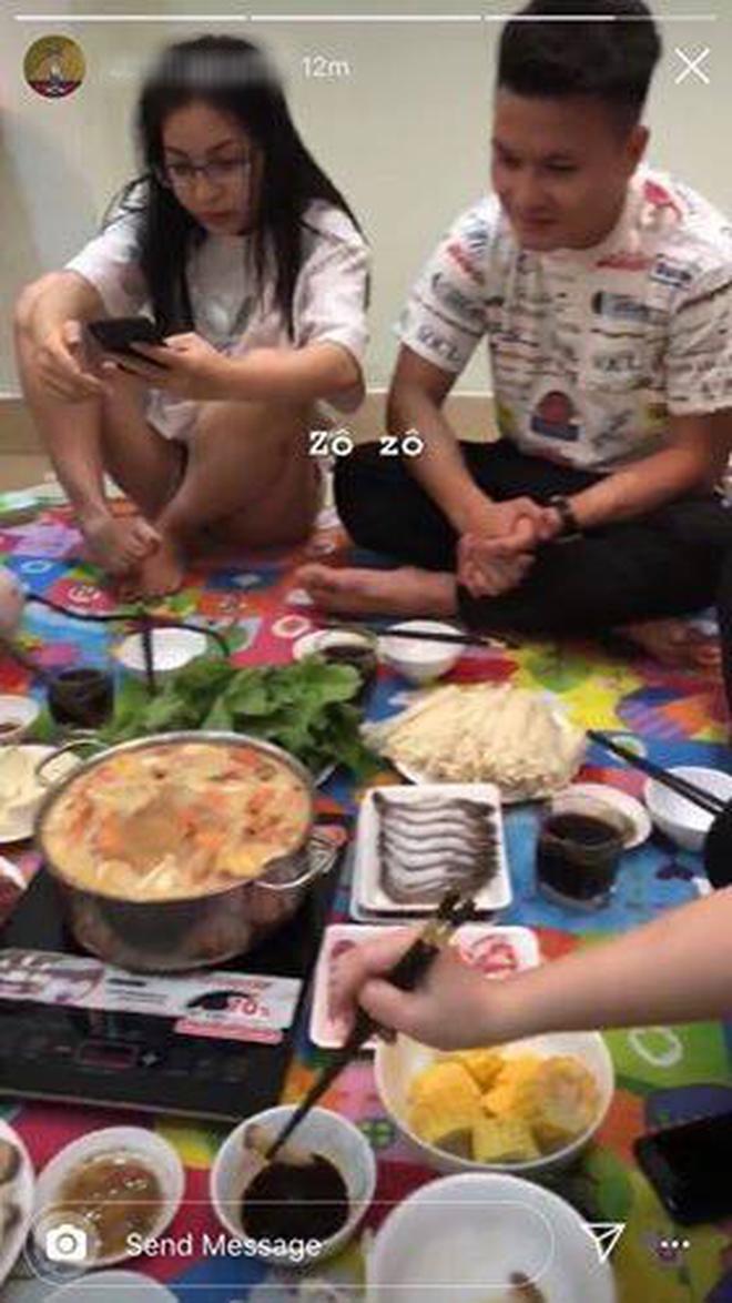 Quang Hải và Nhật Lê tụ tập ăn lẩu cùng bạn bè: Thêm bằng chứng đã quay lại yêu nhau?-1