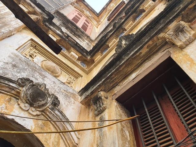 Căn biệt thự Pháp cổ 100 tuổi của đại gia làng miến nức tiếng Hà Nội xưa-10