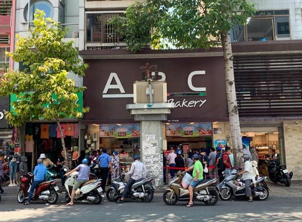 Báo Mỹ hết lời khen ngợi bánh mì thanh long của Việt Nam, phóng viên tìm đến tận nơi để trải nghiệm cảnh xếp hàng mua bánh-4