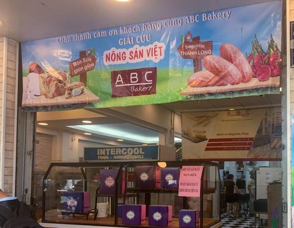 Báo Mỹ hết lời khen ngợi bánh mì thanh long của Việt Nam, phóng viên tìm đến tận nơi để trải nghiệm cảnh xếp hàng mua bánh-6