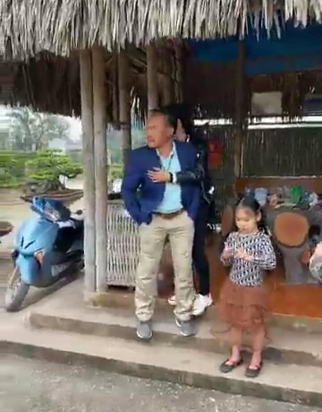Bán cây sanh báu vật 16 tỷ, đại gia Hà Nội bật khóc vì nuối tiếc-2