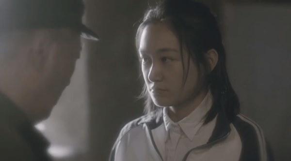 Nữ nhân bán nhà: Tôn Lệ đóng chung phim với em gái cùng cha khác mẹ, hé lộ gia thế bất hạnh của nữ hoàng rating-4