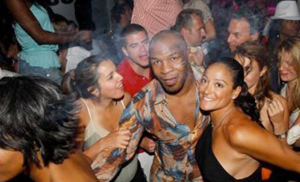 Mike Tyson: Huyền thoại sa cơ, ăn chơi trác táng và cú sốc mất con gái đau đớn-4