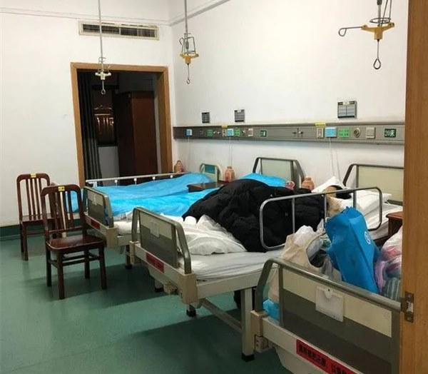 Bi kịch gia đình Vũ Hán: Con gái từ Anh về chăm mẹ bị ung thư, không lâu sau hai bố con nhiễm Covid-19 và nỗi đau chồng chất không ai thấu-7