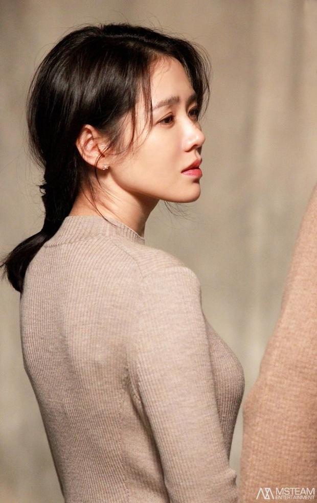 Những bóng hồng bước qua cuộc đời Hyun Bin: Nhan sắc tới tài sản chênh lệch quá lớn, diễn viên vô danh lại viên mãn nhất-3
