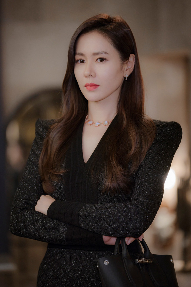 Những bóng hồng bước qua cuộc đời Hyun Bin: Nhan sắc tới tài sản chênh lệch quá lớn, diễn viên vô danh lại viên mãn nhất-4
