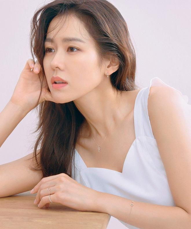 Những bóng hồng bước qua cuộc đời Hyun Bin: Nhan sắc tới tài sản chênh lệch quá lớn, diễn viên vô danh lại viên mãn nhất-5