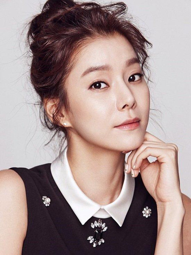 Những bóng hồng bước qua cuộc đời Hyun Bin: Nhan sắc tới tài sản chênh lệch quá lớn, diễn viên vô danh lại viên mãn nhất-15