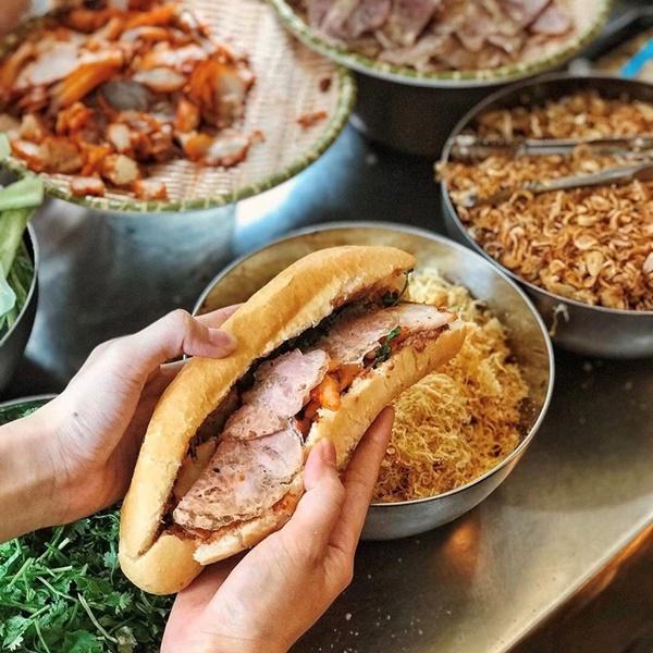 7 địa chỉ bánh mì nổi tiếng cực hút khách nhất định phải ghé khi đến Hà Nội-1