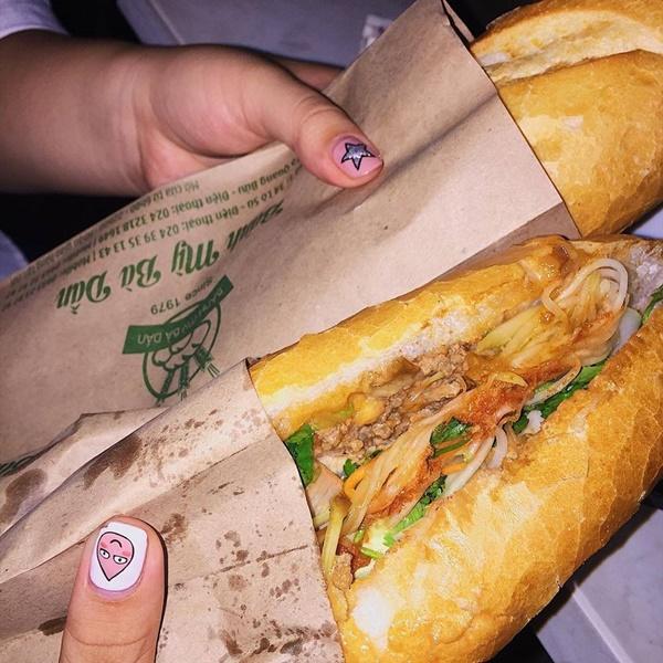 7 địa chỉ bánh mì nổi tiếng cực hút khách nhất định phải ghé khi đến Hà Nội-10