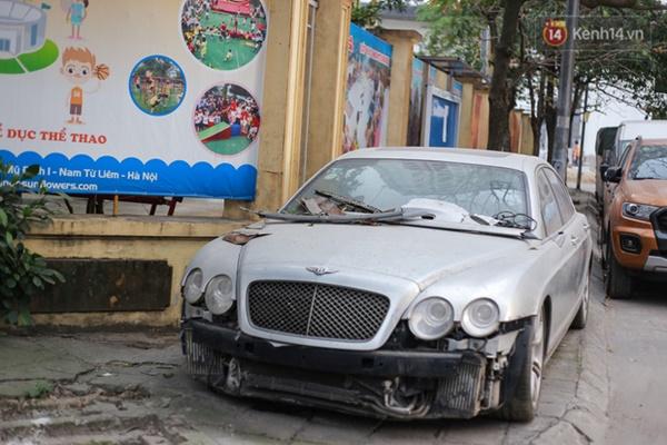 """Siêu xe Bentley 20 tỷ nằm xếp xó"""" trên vỉa hè Hà Nội, hơn 5 năm qua không ai biết chủ nhân ở đâu-1"""