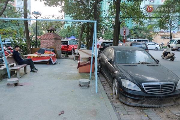 """Siêu xe Bentley 20 tỷ nằm xếp xó"""" trên vỉa hè Hà Nội, hơn 5 năm qua không ai biết chủ nhân ở đâu-7"""