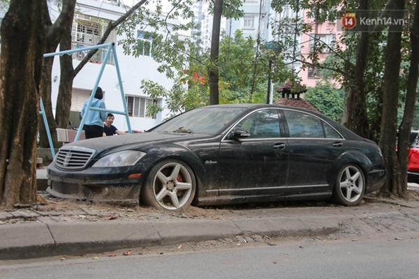 """Siêu xe Bentley 20 tỷ nằm xếp xó"""" trên vỉa hè Hà Nội, hơn 5 năm qua không ai biết chủ nhân ở đâu-8"""