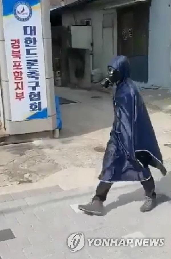 Người Hàn Quốc sau 1 tháng đối chọi dịch virus corona: Quanh quẩn trong nhà, mất khái niệm thời gian, săn tìm mặt nạ phòng độc-2