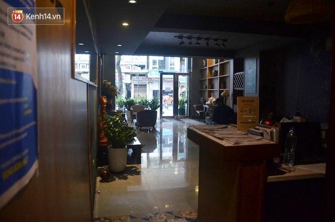Nữ Giám đốc khách sạn buộc phải cho nhân viên về quê 4 tháng vì Covid-19: Gần 3 tháng mất hơn 20 tỷ đồng, từng đập đầu gào thét vì sốc nặng-3