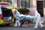 Phút cứu 2 người thoát chết trong vụ cháy ở TP.HCM-1