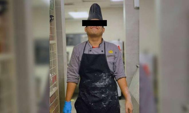 Đầu bếp khách sạn 5 sao nhổ nước bọt vào thức ăn của khách Trung Quốc-1