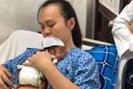 Giọt nước mắt của người mẹ khi bé Sumo sinh cực non, chỉ có 10% cơ hội sống được về nhà sau 3 tháng chống chọi tử thần