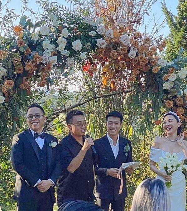 Tóc Tiên: Cô sinh viên y khoa tóc xù và đám cưới khác người ở showbiz Việt-4