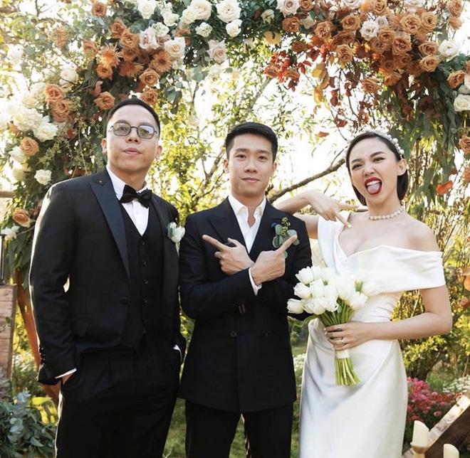 Loạt ảnh cực hiếm trong đám cưới Tóc Tiên - Hoàng Touliver cuối cùng cũng được hé lộ: Mọi khoảnh khắc hạnh phúc nhất đều có đủ!-5