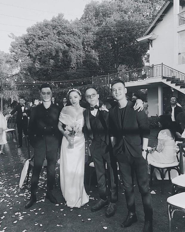 Loạt ảnh cực hiếm trong đám cưới Tóc Tiên - Hoàng Touliver cuối cùng cũng được hé lộ: Mọi khoảnh khắc hạnh phúc nhất đều có đủ!-6