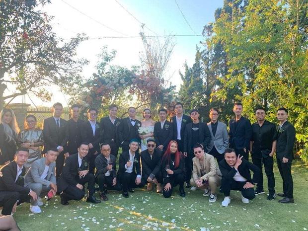 Loạt ảnh cực hiếm trong đám cưới Tóc Tiên - Hoàng Touliver cuối cùng cũng được hé lộ: Mọi khoảnh khắc hạnh phúc nhất đều có đủ!-7