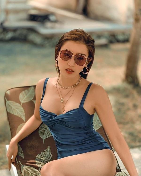 Sắm túi hiệu mỏi tay nhưng Phạm Hương yêu thích đúng một đôi bông tai-9