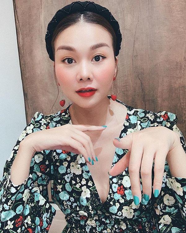 Sắm túi hiệu mỏi tay nhưng Phạm Hương yêu thích đúng một đôi bông tai-12
