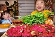 Mẹ con Quỳnh Trần - bé Sa được ủng hộ nhiệt tình với món bánh xèo thanh long, dù ở nước Nhật xa xôi vẫn góp phần giải cứu nông sản Việt Nam